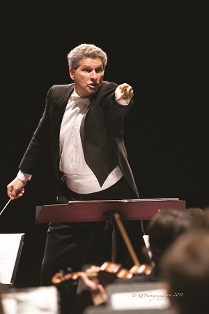 Andrew Lane conducts Sarasota Orchestra
